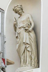Figur der Göttin Demeter